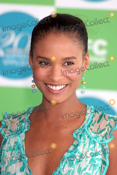 Joy Bryant Photo - Joy Bryant Arriving at the 20th Ifp Independent Spirit Awards on the Beach in Santa Monica CA on 02-26-2005 Photo by Henry McgeeGlobe Photos Inc 2005