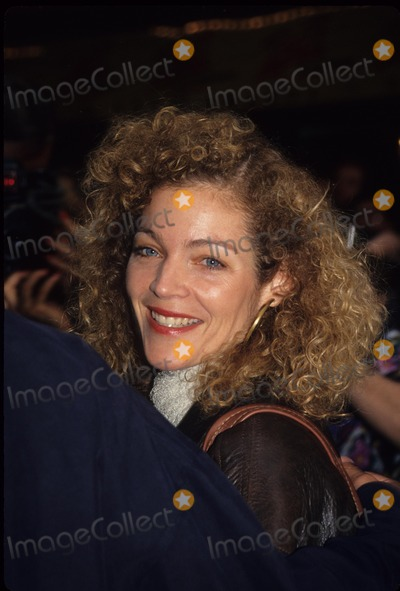 Amy Irving Photo - Amy Irving 1994 L8651hmc Photo by Henry Mcgee-Globe Photos Inc