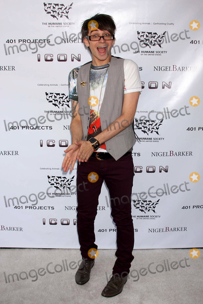 Ethan Zohn Photo - Christian Siriano (Winner of Project Runway) Arriving at the Launch of Barkers Exhibit a Sealed Fate at 401 Projects in New York City on 07-24-2008 Photo by Henry McgeeGlobe Photos Inc 2008