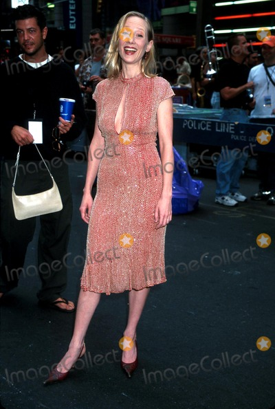 Ann Heche Photo - Sd0915 Toys R Us Presents Broadway on Broadway Anne Heche Times Squarenyc Photohenry McgeeGlobe Photos Inc