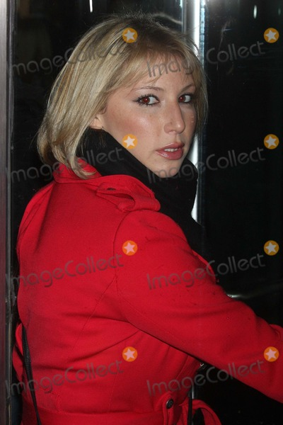 Ari Graynor Photo - Ari Graynor Arriving at a Screening of Due Date at Amc Loews Lincoln Square in New York City on 11-01-2010 Photo by Henry Mcgee-Globe Photos Inc2010