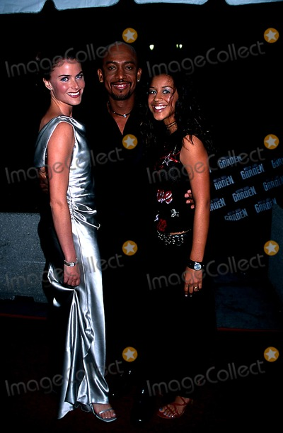 Montel Williams Photo - Hmc 2002 Daytime Emmy Awards NYC 051702 Photo by Henry McgeeGlobe Photos Inc 2002 Montel Williams