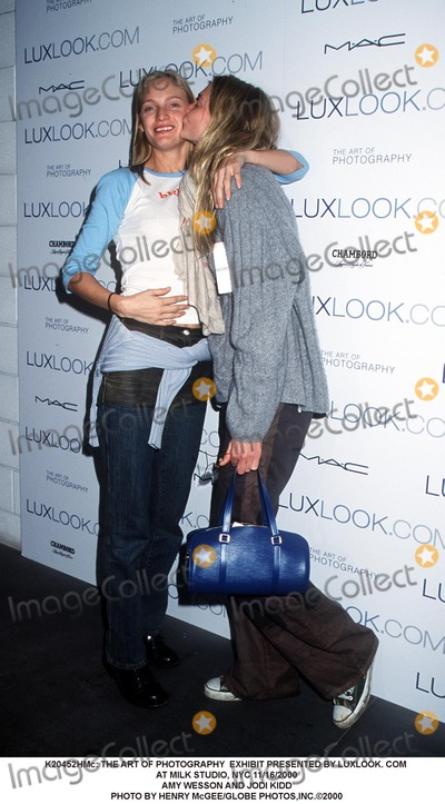 Amy Wesson Photo -  the Art of Photography Exhibit Presented by Luxlook Com at Milk Studio NYC 11162000 Amy Wesson and Jodi Kidd Photo by Henry McgeeGlobe Photosinc