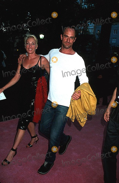 Christopher Meloni Photo - Sex and the City Premiere 5th Season at American Museum NYC 071602 Photo by Henry McgeeGlobe Photos Inc 2002 Christopher Meloni and Wife
