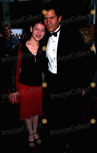 A Martinez Photo - Hmc 2002 Daytime Emmy Awards NYC 051702 Photo by Henry McgeeGlobe Photos Inc 2002 a Martinez and Daughter