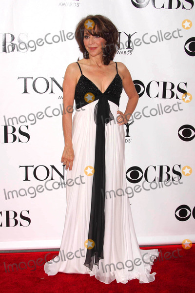 Andrea Martin Photo - Andrea Martin Arriving at the 62nd Annual Tony Awards at Radio City Music Hall in New York City on 06-15-2008 Photo by Henry McgeeGlobe Photos Inc 2008
