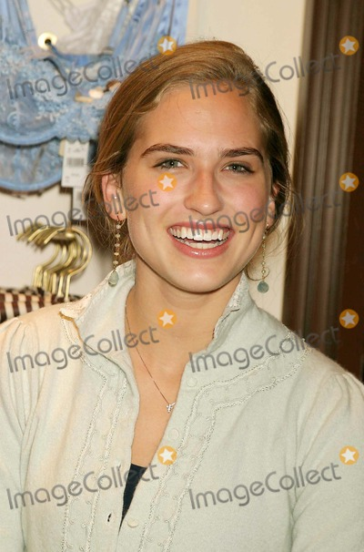 Ashley Bush Photo - Ashley Bush Arriving at the Launch of the New Rykiel Woman Boutique at Henri Bendel in New York City on 02-03-2005 Photo by Henry McgeeGlobe Photos Inc 2005