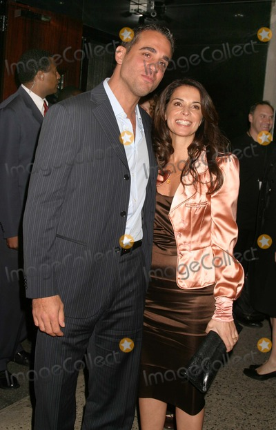 ANABELLA SCIORRA Photo - New York NY  10-5-2004Bobby Cannavale and Anabella Sciorra attend the premiere of Shall We Dance at the Paris TheaterDigital Photo by Lane Ericcson-PHOTOlinkorg