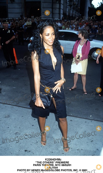 Aaliyah Photo - The Others Premiere Paris Theatre NYC 080201 Aaliyah Photo by Henry McgeeGlobe Photos Inc 2001