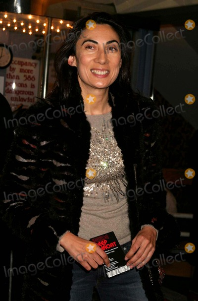 Anh Duong Photo - Anh Duong Arriving at a Screening of the Hbo Documentary Inside Deep Throat at the Paris Theatre in New York City on 02-07-2005 Photo by Henry McgeeGlobe Photos Inc 2005