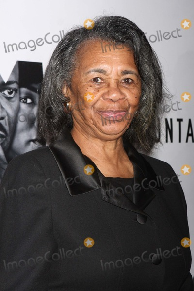 Mary Alice Photo - Mary Alice Arriving at the Opening Night Performance of the Mountaintop at the Bernard B Jacobs Theatre in New York City on 10-13-2011 Photo by Henry Mcgee-Globe Photos Inc 2011