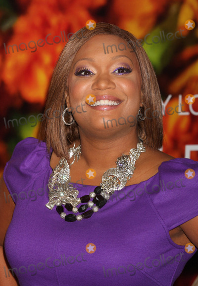 SUNNY ANDERSON Photo - Sunny Anderson (From the Food Network) Arriving at the World Premiere of Columbia Pictures Eat Pray Love at the Ziegfeld Theater in New York City on 08-10-2010 Photo by Henry Mcgee-Globe Photos Inc 2010