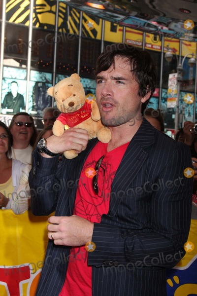 NAAMA NATIV Photo - NYC  092008Matthew Settle and wife Naama Nativ (pregnant) at the Playhouse Disney-themed event to launch fall line-up of preschool toys and electronics at Toys R Us Times SquareDigital Photo by Adam Nemser-PHOTOlinknet