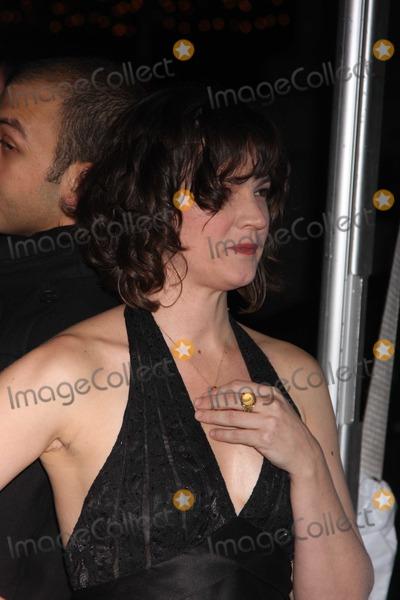 AMANDA PENNINGTON Photo - NYC  120210Amanda Pennington ring at the premiere of the new movie Rabbit Hole at the Paris TheaterPhoto by Adam Nemser-PHOTOlinknet
