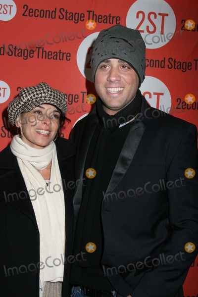 Annabella Sciorra Photo - NYC  011107Annabella Sciorra and boyfriend Bobby Cannavale at opening night of Second Stage Theatres production of THE SCENE at Second Stage TheatreDigital Photo by Adam Nemser-PHOTOlinknet