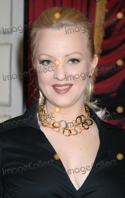 Wendi McLendon-Covey Photo - NYC  081706Wendi McLendon-Covey at opening night of MARTIN SHORT FAME BECOMES ME on Broadway at The Bernard B Jacobs TheatreDigital Photo by Adam Nemser-PHOTOlinknet