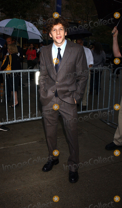 Jesse Eisenberg Photo - NEW YORK SEPTEMBER 26 2005    Jesse Eisenberg at a screening of The Squid and the Whale held at Rockefeller Center