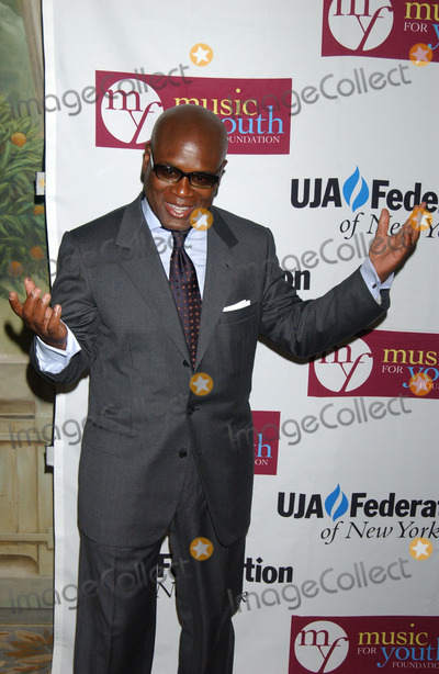 ANTONIO REID Photo - Antonio LA Reid Chairman of Island Def Jam Music Group receives UJA- Federation of New Yorks Music Visionary Award