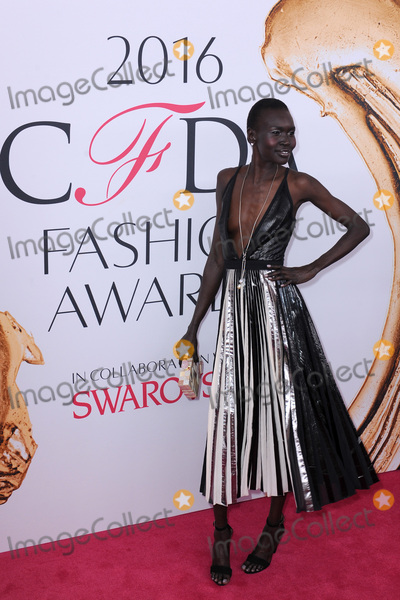 Alek Wek Photo - June 6 2016  New York CityAlek Wek attending the 2016 CFDA Fashion Awards at the Hammerstein Ballroom on June 6 2016 in New York CityCredit Kristin CallahanACE PicturesTel 646 769 0430