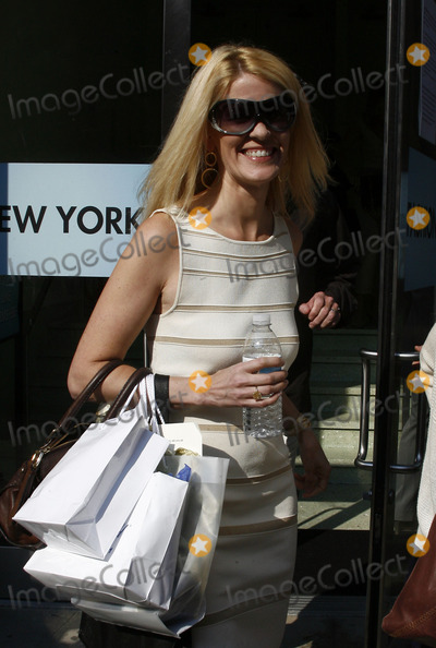 Alex McCord Photo - Real Housewife of New York Alex McCord  at Mercedes Benz New York Fashion Week on September 12 2011 in New York City