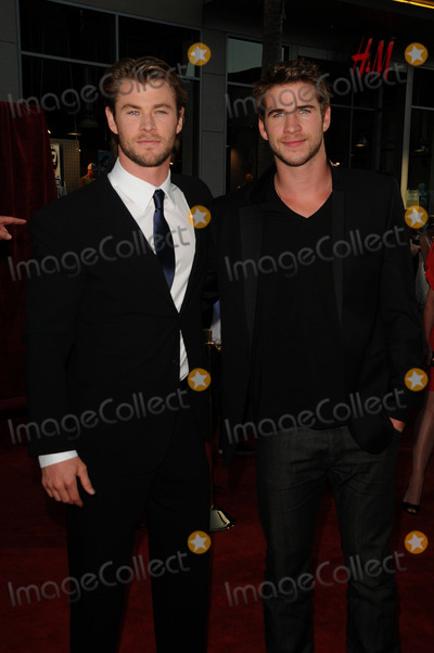 LUKE HEMSWORTH Photo - (L-R) Chris Hemsworth and Luke Hemsworth at the premiere of Thor at the El Capitan Theatre on May 2 2011 in Los Angeles California