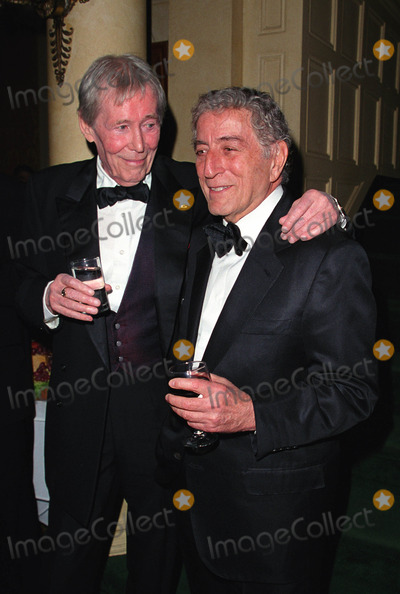 Peter OToole Photo - Peter OToole and Tony Bennett at the Players Clubs Pipe Night For Peter OToole Benefit in New York January 27 2002  2002 by Alecsey BoldeskulNY Photo Press  ONE-TIME REPRODUCTION RIGHTS