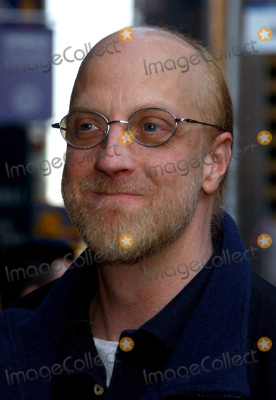 Chris Elliott Photo - NEW YORK MARCH 29 2006    Chris Elliott stops by for a guest appearance at the Late Show with David Letterman