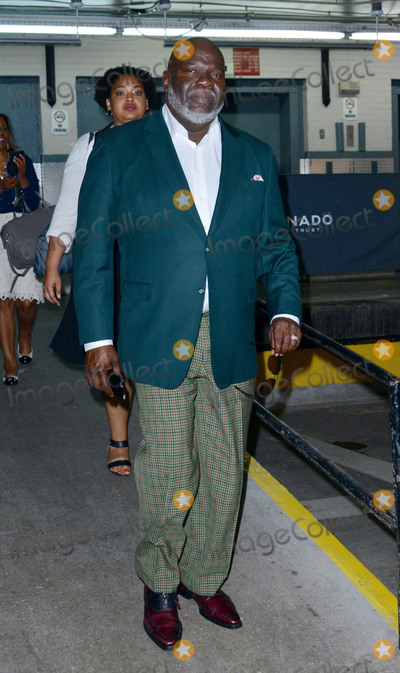 T D Jakes Photo - August 3 2015 New York CityBishop T D Jakes made an appearance at HuffPost Live on August 3 2015 in New York CityBy Line Curtis MeansACE PicturesACE Pictures Inctel 646 769 0430