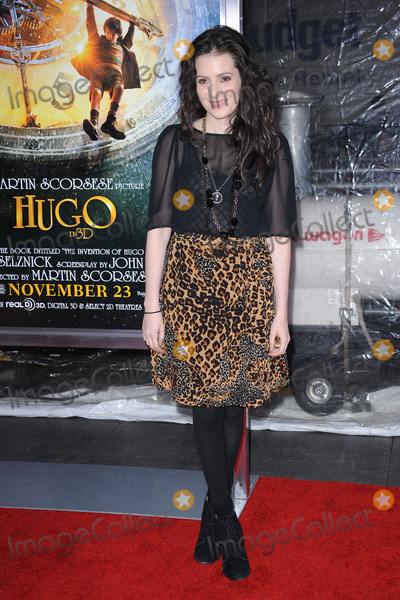 Aleksa Palladino Photo - Aleksa Palladino attends the Hugo premiere at the Ziegfeld Theatre on November 21 2011 in New York City