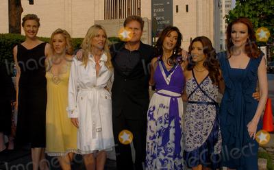NICOLE SHERIDAN Photo - Actors Brenda Strong Felicity Huffman Nicole Sheridan Teri Hatcher Eva Longoria and Marcia Cross arriving at the ABC 2006-2007
