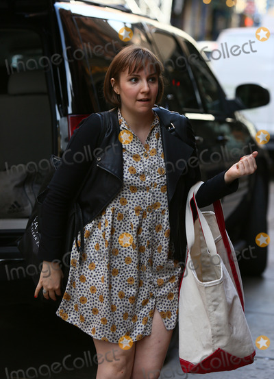 Lena Dunham Photo - April 14 2014 New York CityActress and writer Lena Dunham arrived at Taylor Swifts Tribeca apartment on April 14 2014 in New York City