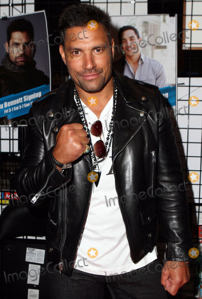 Manu Bennett Photo - October 9 2015 New York CityManu Bennett made an appearance at NY Comic Con on October 9 2015 in New York CityBy Line Nancy RiveraACE PicturesACE Pictures Inctel 646 769 0430