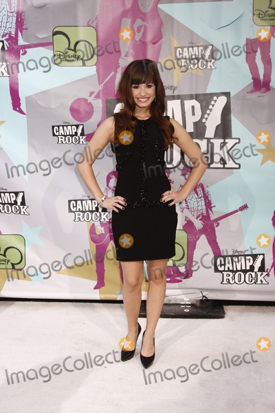 DEMI  LOVATO Photo - Demi Lovato wait at the Camp Rock premiere held at the Ziegfeld Theater