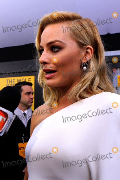 Margot Robbie Photo - December17 2013 New York CityMargot Robbie arriving at the The Wolf Of Wall Street premiere at Ziegfeld Theater on December 17 2013 in New York City