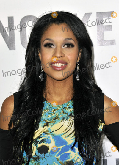 Kali Hawk Photo - December 12 2012 LAKali Hawk arriving at theThis Is 40 premiere at Graumans Chinese Theatre on December 12 2012 in Hollywood California
