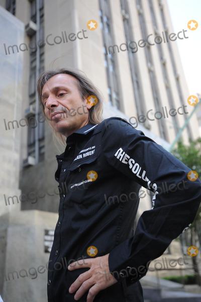 Alain Robert Photo - French stuntman Alain Robert aka Spiderman speaks at a press conference outside a Manhattan court