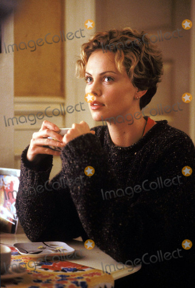 Charlize Theron Photo - Publicity Stills SWEET NOVEMBER STARRING CHARLIZE THERON AND KEANU REEVES