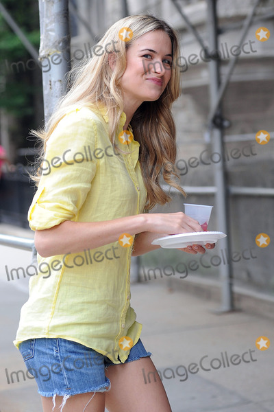 Alice Callahan Photo - Actress Alice Callahan on the Upper West  Side set of the new season on the hit TV show Gossip Girl on July 13 2010 in New York City