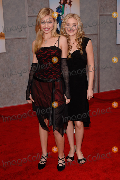 Aly and AJ Photo - Pop stars ALYSON  AMANDA MICHALKA (aka ALY  AJ) at the Hollywood premiere of Walt Disney Pictures Ice Princess at the El Capitan TheatreMarch 13 2005 Los Angeles CA 2005 Paul Smith  Featureflash