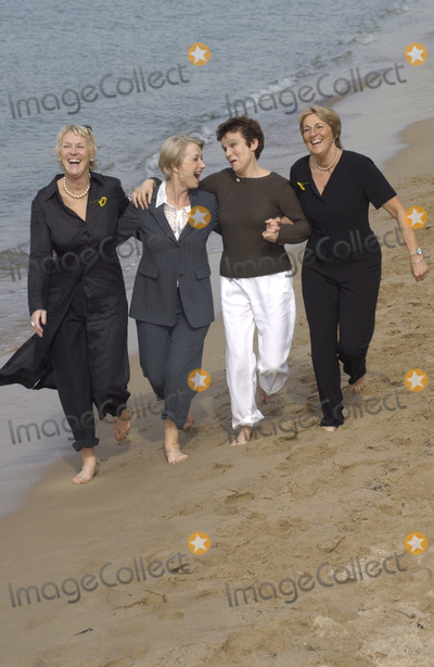 Angela Baker Photo - LtR TRICIA STEWART HELEN MIRREN JULIE WALTERS  ANGELA BAKER at photocall in Cannes for their new movie Calendar Girls16MAY2003