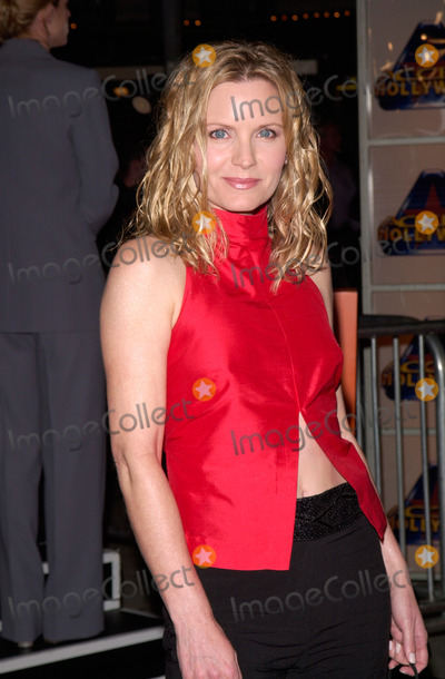 Albert Finney Photo - 14MAR2000  Actress REBECCAH BUSH at the world premiere in Los Angeles of Erin Brockovich which stars Julia Roberts  Albert Finney Paul Smith  Featureflash