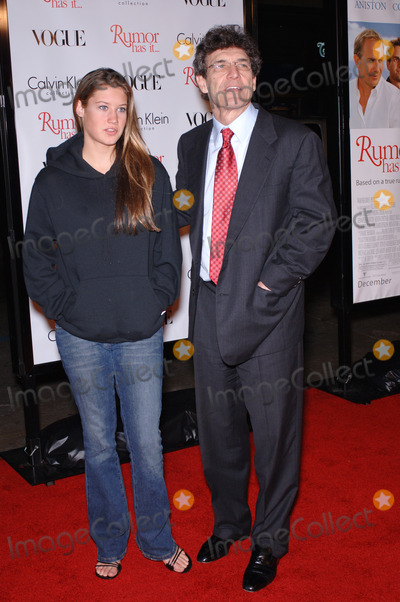 Alan Horne Photo - Warner Bros CEO ALAN HORN  daughter CASSIDY at the world premiere in Hollywood of Rumor Has ItDecember 15 2005  Los Angeles CA 2005 Paul Smith  Featureflash
