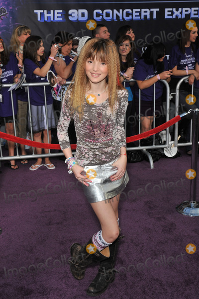 Bella Thorne Photo - Bella Thorne at the world premiere of Jonas Brothers The 3D Concert Experience at the El Capitan Theatre HollywoodFebruary 24 2009  Los Angeles CAPicture Paul Smith  Featureflash