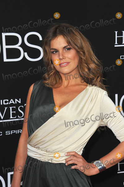 Rosalind Lipsett Photo - Rosalind Lipsett at the Los Angeles premiere of Jobs at the Regal Cinemas LA LiveAugust 13 2013  Los Angeles CAPicture Paul Smith  Featureflash