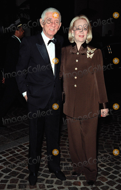 Aaron Spelling Photo - 18NOV99 Producer AARON SPELLING  wife CANDY at the 5th Annual Stars of Tomorrow Gala in aid of TheFulfillment Fund honoring Seagrams President Edgar Bronfman Jr Paul Smith  Featureflash