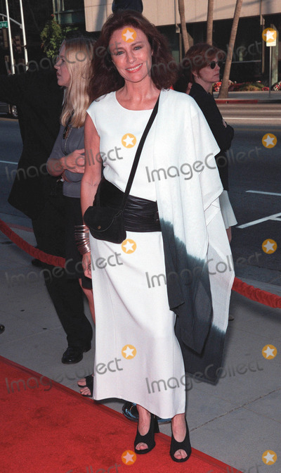 Jacqueline Bisset Photo - 27JUL99  Actress JACQUELINE BISSET at the world premiere in Beverly Hills of The Thomas Crown Affair which stars Pierce Brosnan  Rene Russo Paul Smith  Featureflash