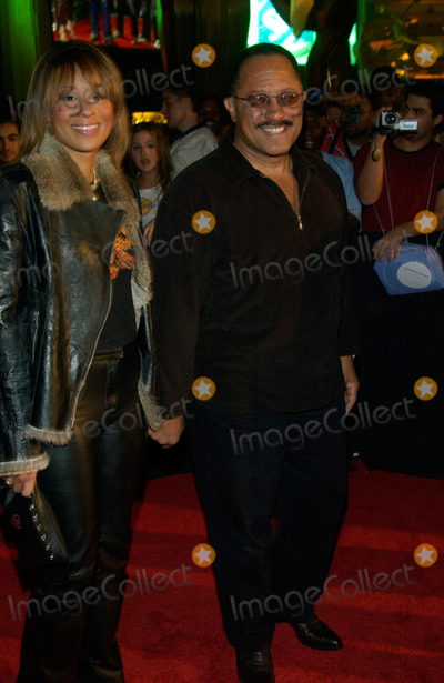 Judge Joe Brown Photo - JUDGE JOE BROWN  date at the 2002 Fox Billboard Bash in Las Vegas The party is the pre-event for the Billboard Music Awards08DEC2002   Paul Smith  Featureflash