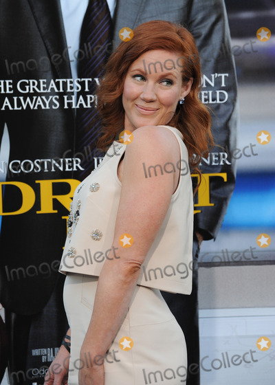 Elisa Donovan Photo - Elisa Donovan at the Los Angeles premiere of Draft Day at the Regency Village Theatre WestwoodApril 7 2014  Los Angeles CAPicture Paul Smith  Featureflash