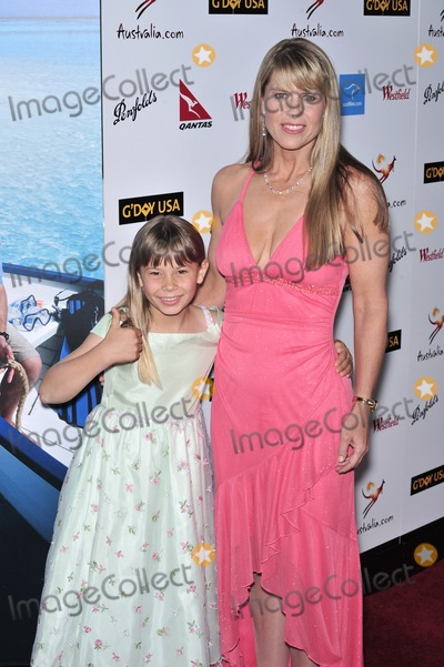 Terry Irwin Photo - Terri Irwin  daughter Bindi Irwin at the GDay USA Australiacom Black Tie Gala at the Hollywood  Highland Centre Hollywood CAJanuary 19 2008  Los Angeles CAPicture Paul Smith  Featureflash