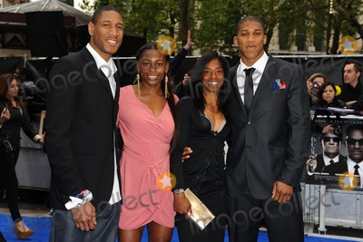 Anthony Joshua Photo - Drew Sullivan Perri Shakes-Drayton Yamile Aldama and Anthony Joshua arriving for the Men in Black 3 premiere at the Odeon Leicester Square London 16052012 Picture by Steve Vas  Featureflash